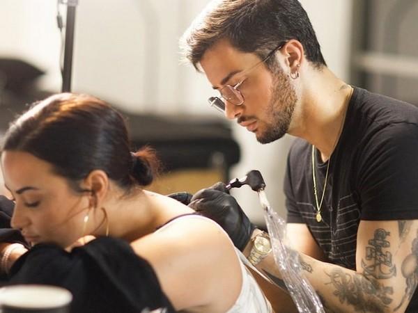 Demi Lovato gets an Inspirational tattoo