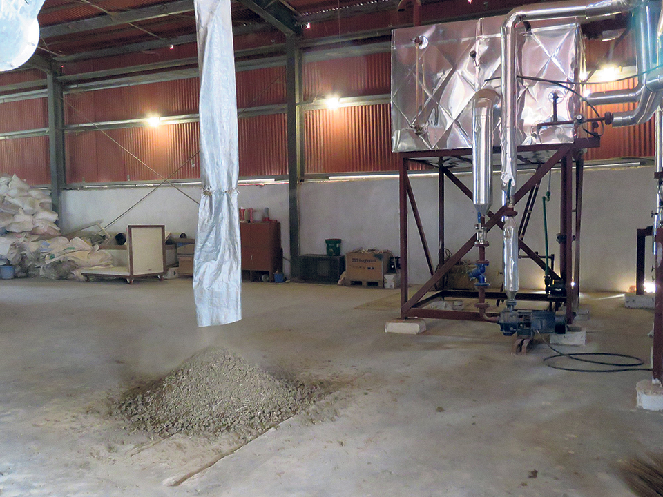 From poop to manure: Technology eases up things for poultry farmer