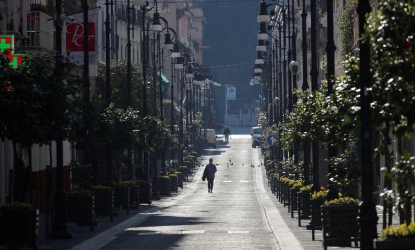 Coronavirus deaths in Italy overtake China as economic damage mounts