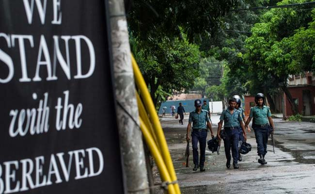 Bangladesh police kill 'mastermind' of Dhaka cafe attack