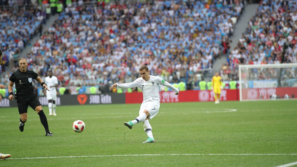 Griezmann inspires France past punchless Uruguay