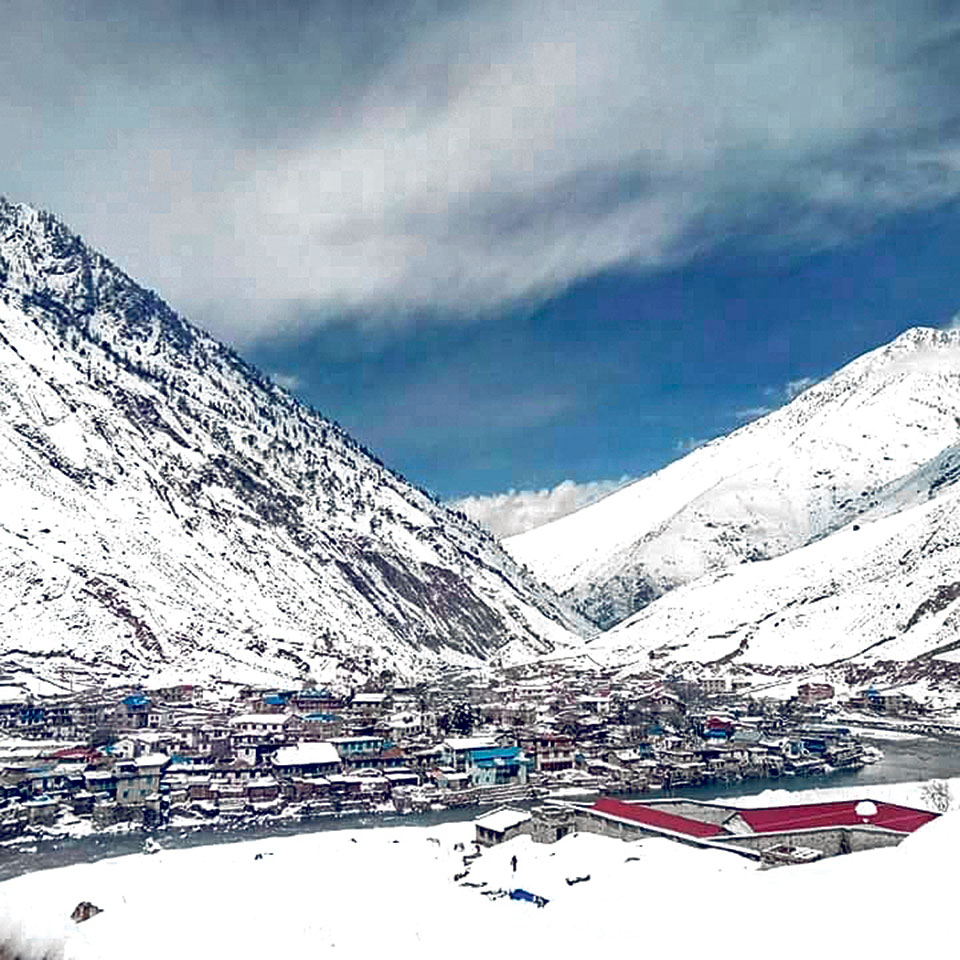 Snowfall affects life in Dolpa