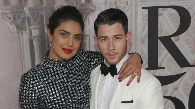 Priyanka Chopra, Nick Jonas are all lovey-dovey in the 'city of love'