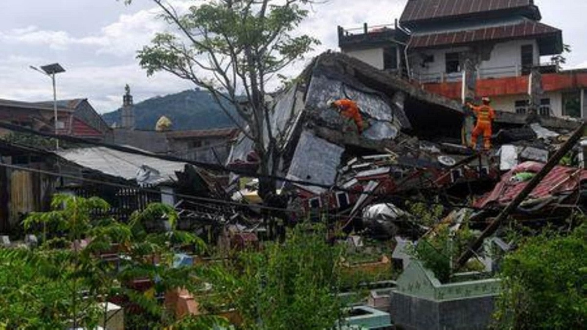 UPDATE: Quake death toll at 73 as Indonesia struggles with string of disasters