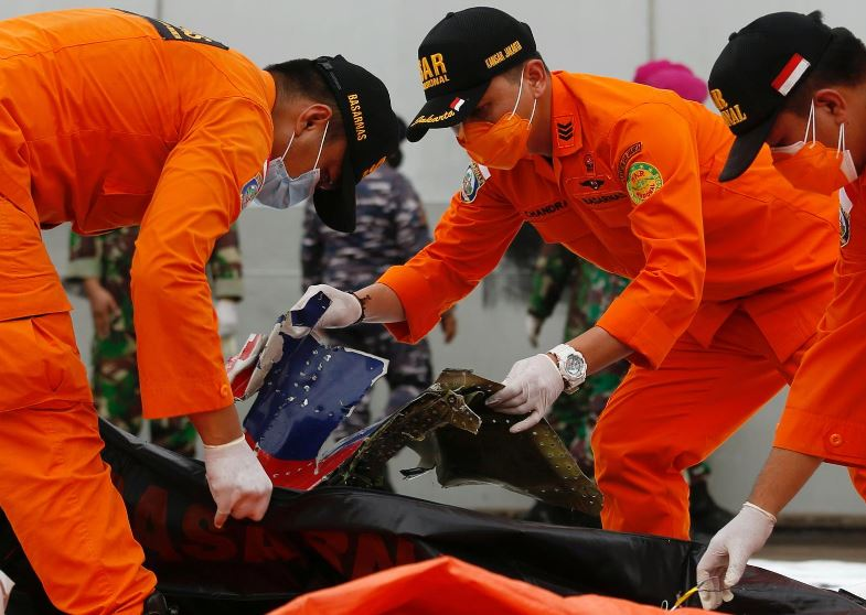UPDATE: Indonesia locates black boxes of crashed jet as body parts recovered