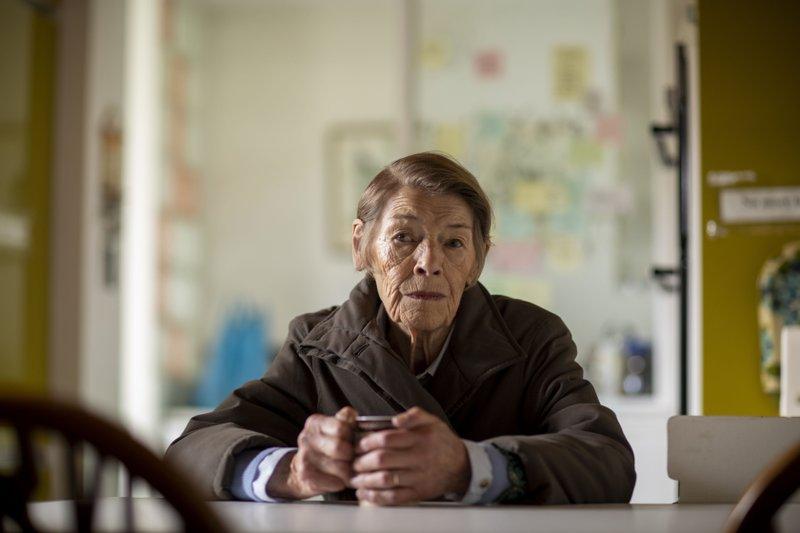Glenda Jackson returns to screen with 'Elizabeth Is Missing'