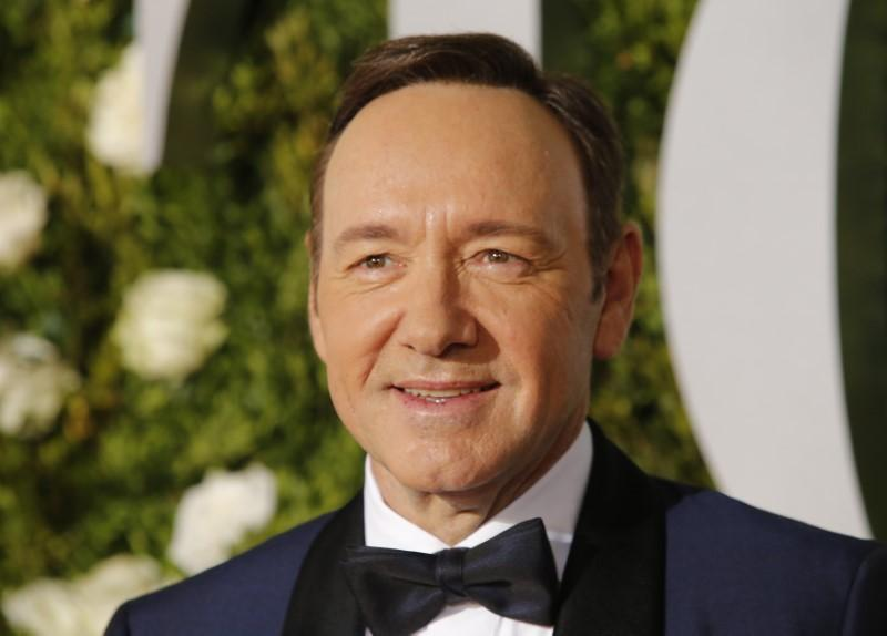 The Usual Suspects, American Beauty actor Kevin Spacey declares life as a gay man