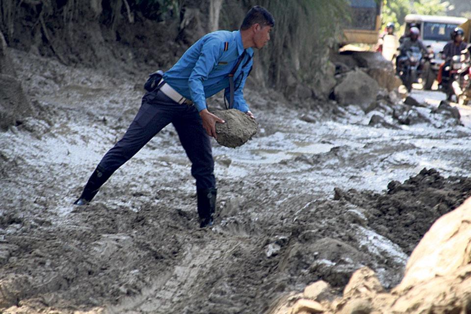 Landslides affect transportation along Prithvi Highway