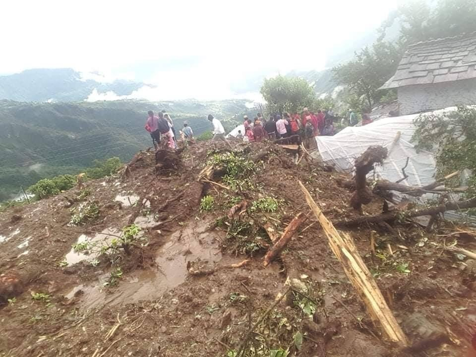 Death toll in Parbat landslide climbs to eight, one still missing