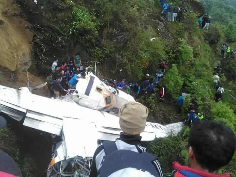 Summit Air crashes at Lukla Airport, captain dies (Update)