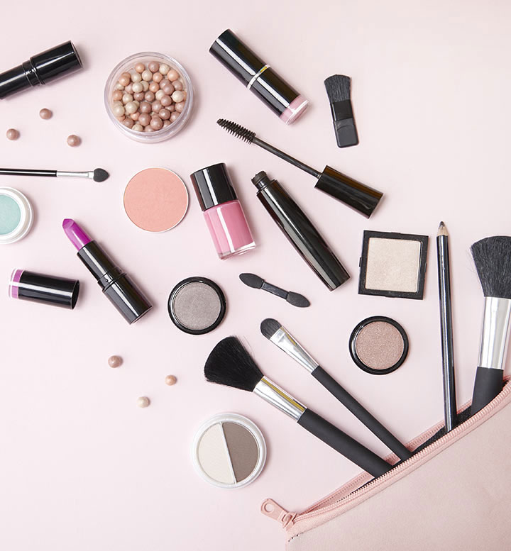 Too busy to apply make up? Here are a few quick make up tricks