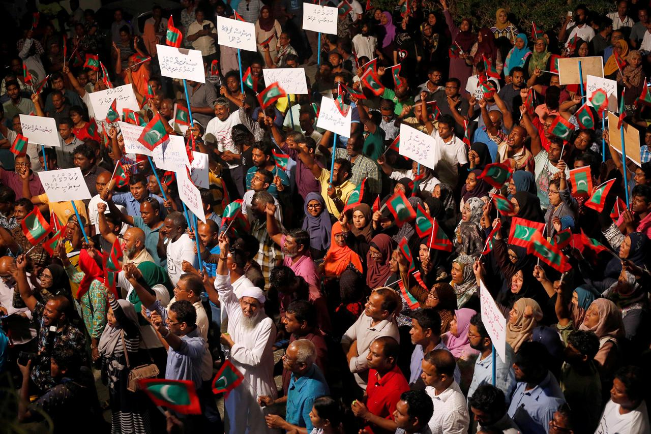 Maldives plunges deeper into political turmoil
