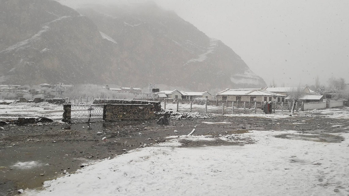 Heavy snowfall affects mountain districts