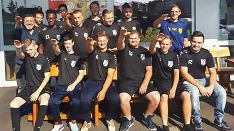 German footballers kicked off team for making 'Nazi salute' in photo