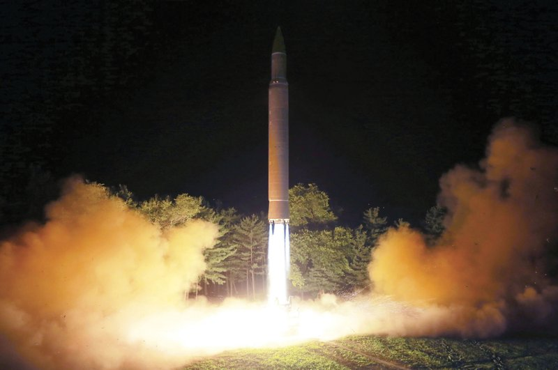 Analysts doubt North Korea's ICBM re-entry capability