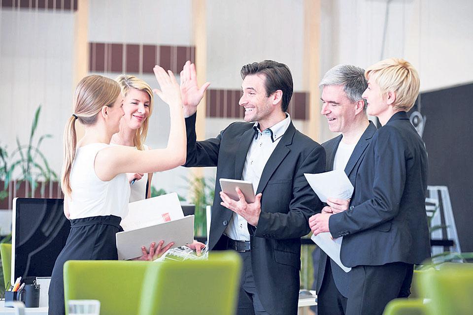 Essential Office Etiquette Tips