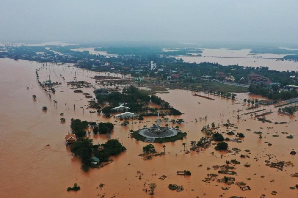 Vietnam barracks hit by landslide; 22 personnel missing