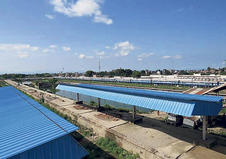 Railway track almost ready, indecision will likely delay rails
