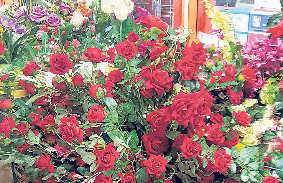 Florists importing roses worth Rs 10m for V-day