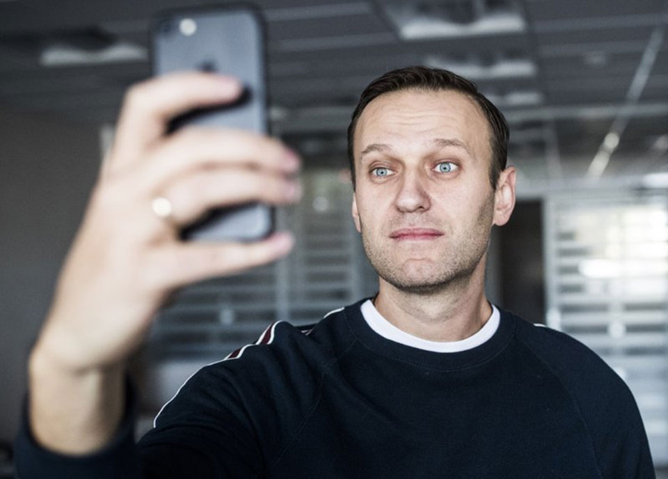 Russian opposition leader Navalny leaves jail, goes to rally