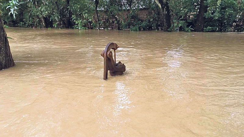 150 families out of contact as swollen Saptakosi engulfs Saptari