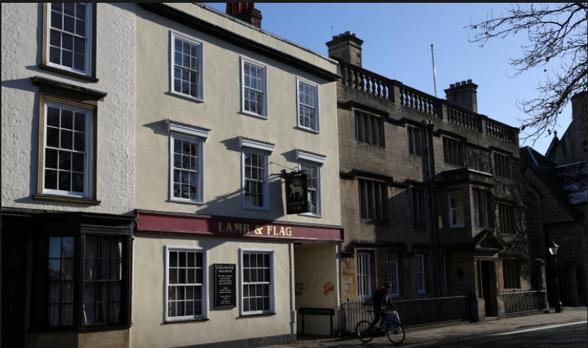 Loved by students, scholars and writers for 450 years, Oxford pub succumbs to COVID