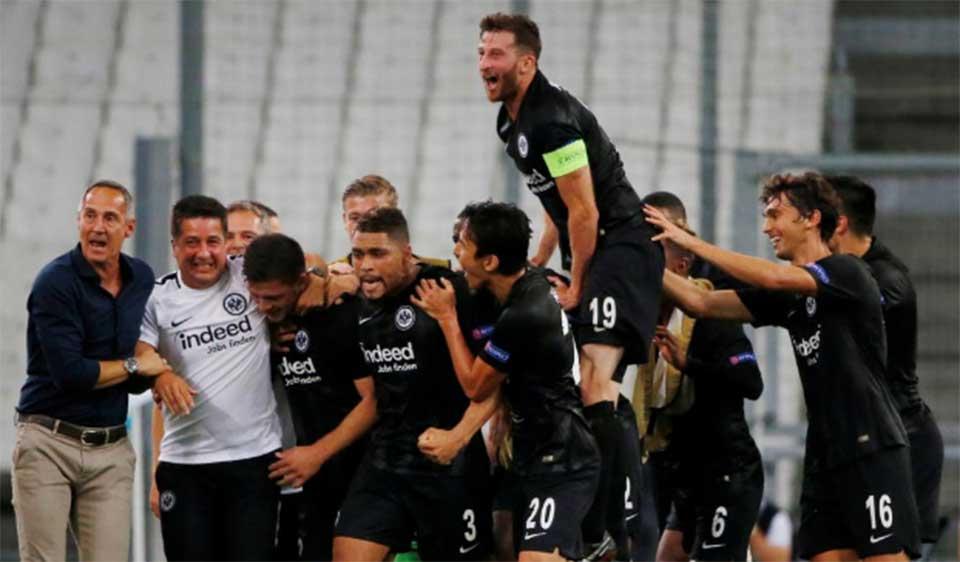 Marseille stunned by Eintracht, Sevilla hit five in Europa League