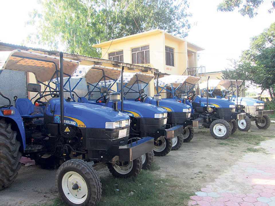 Bara farmers get subsidy for 5 tractors, 4 pick-ups