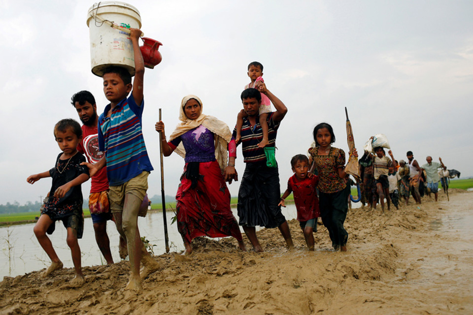 Nearly 90,000 Rohingya escape Myanmar violence as humanitarian crisis looms