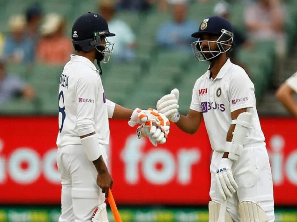 India bowled out for 326, lead by 131 runs