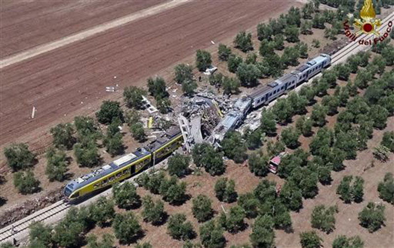 20 dead in head-on train crash in southern Italy