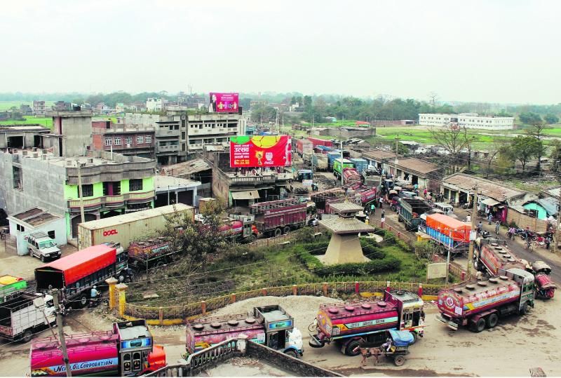 Vehicular traffic at Birgunj border affects trade